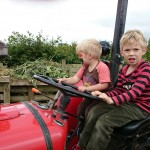 OFS2014-tractor1-camelcsa